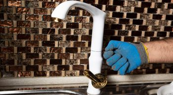 لوله کشی ساختمان: اعزام لوله کش آب و فاضلاب