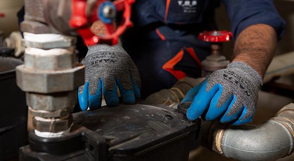 تعمیر پمپ آب تاسیسات ( تعمیر پمپ آب موتورخانه )