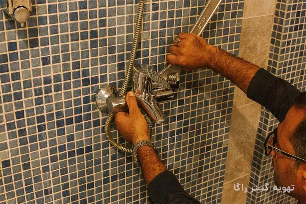 لوله کش آب ساختمان